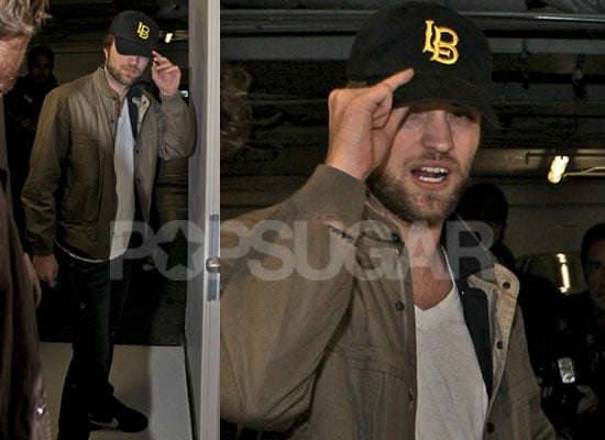 Photos of Robert Pattinson With New Beard and Black Eye at The Hotel Cafe in Hollywood: Poll on Robert Pattinson's Longer Beard