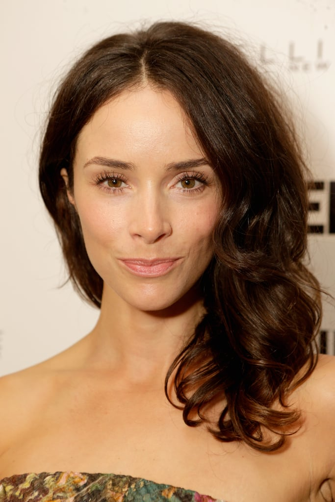 Abigail Spencer showed off the perfect blowout and lengthy lashes at the Vanity Fair and Maybelline toast to Mad Men.