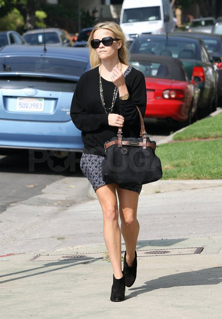 Reese ran errands solo around LA.