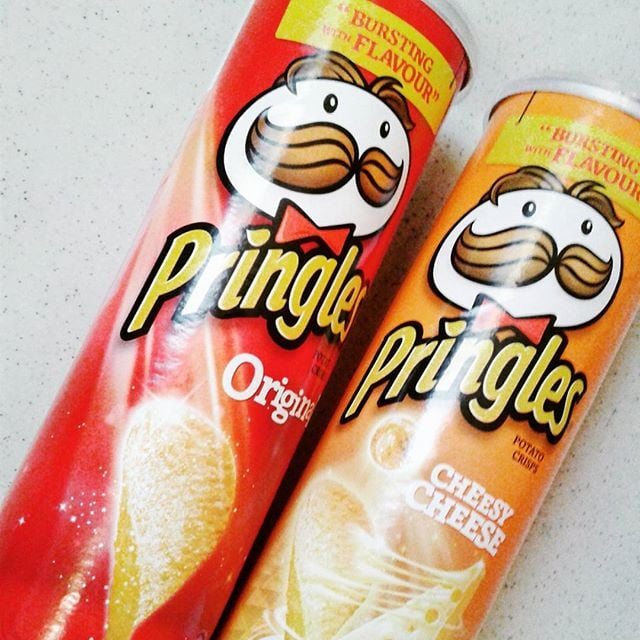 Use a Pringles container to store tall items like paintbrushes and pipe cleaners.