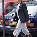الأميرة ديانا مرتدية جزمة الكاوبوي مع سروال فضفاض في لندن عام 1989