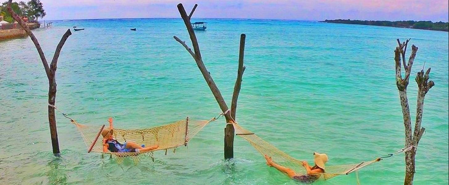 Sea Breeze Warung in Nusa Ceningan, Bali