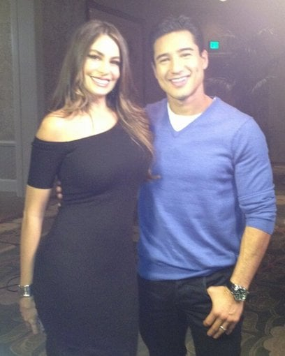 Mario Lopez caught up with Sofia Vergara for an Extra interview. Source: Twitter user MarioLopezExtra