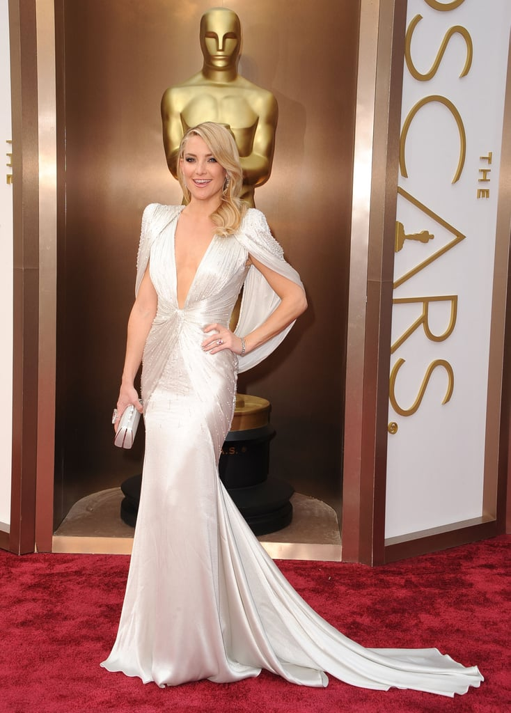 Kate Hudson was a vision in white Versace on the red carpet.