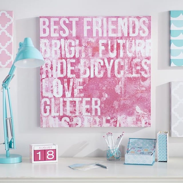 Choose art and decorations that will grow with your tween.