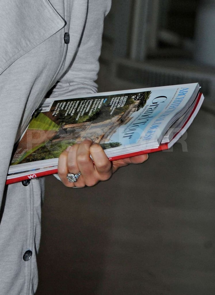 Jessica Biel's engagement ring was on display as she carried magazines through Charles de Gaulle airport in Paris.