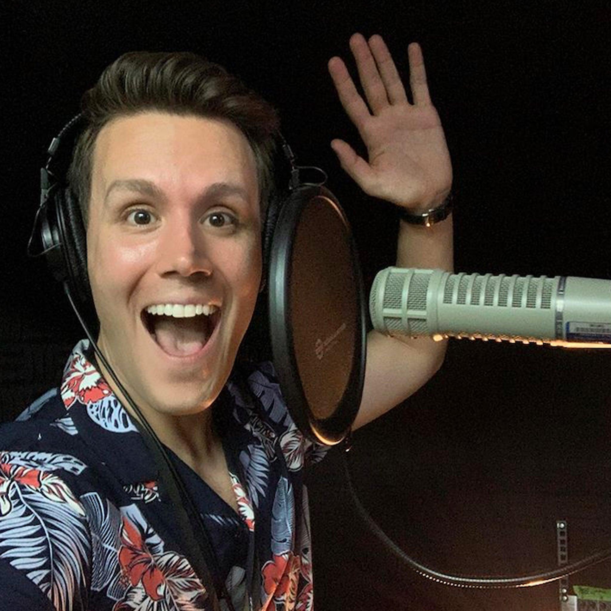 Who Is Love Island Announcer Matthew Hoffman? | POPSUGAR
