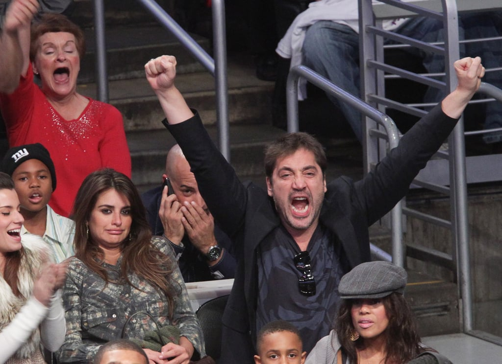 Pictures of Penelope Cruz, Javier Bardem, Cameron Diaz, Kanye West and More at Lakers Game on Christmas 2010-12-26 16:44:24