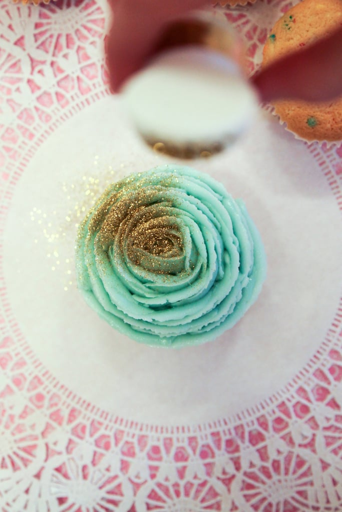 Rose Frosting Decoration