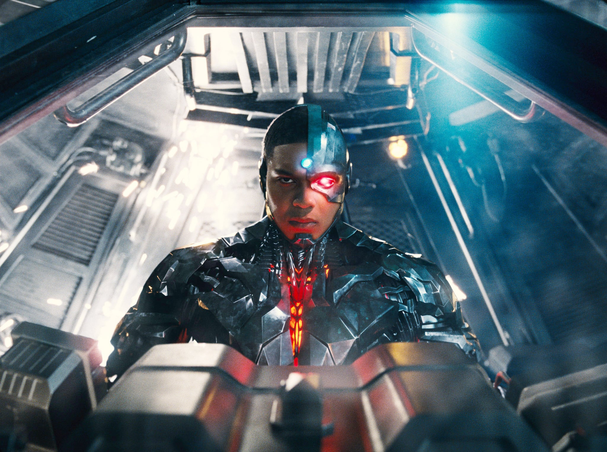 JUSTICE LEAGUE, Ray Fisher as Cyborg, 2017.  Warner Bros. Pictures /Courtesy Everett Collection