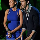 Blake and Ryan Team Up to Present a Best Kiss Award to Robert and Kristen