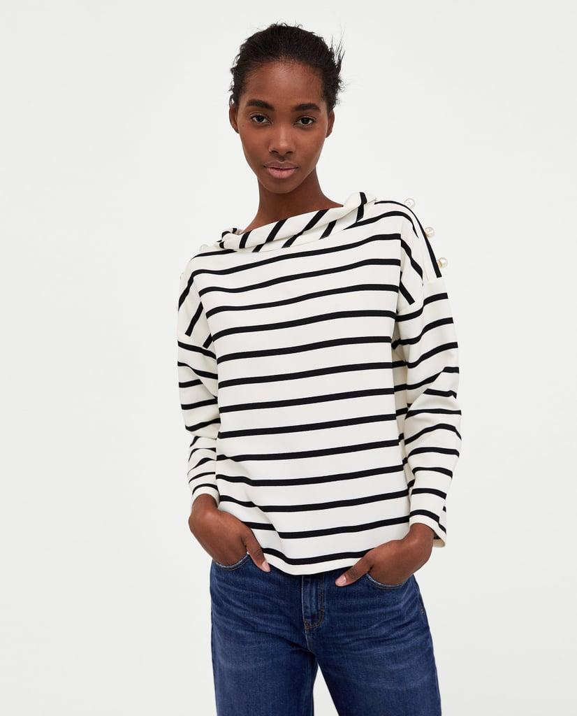 قميص مخطّط مع اللّؤلؤ الصناعيّ من Zara