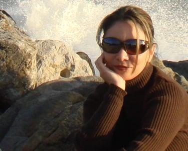 Geeky Girl We Love: Gina Hughes