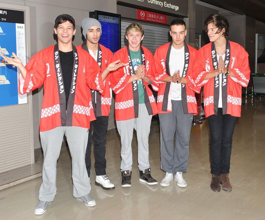 One Direction at Tokyo Narita Airport in 2013