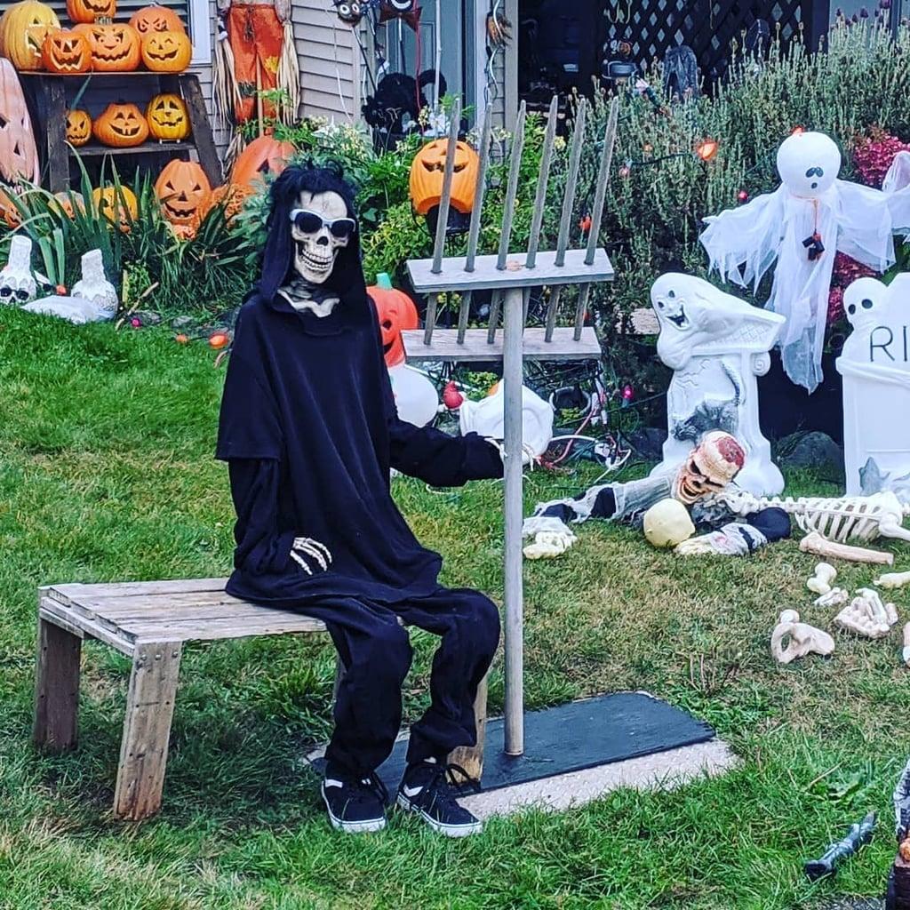 This Guy's Schitt's Creek Halloween Decorations Are Amazing