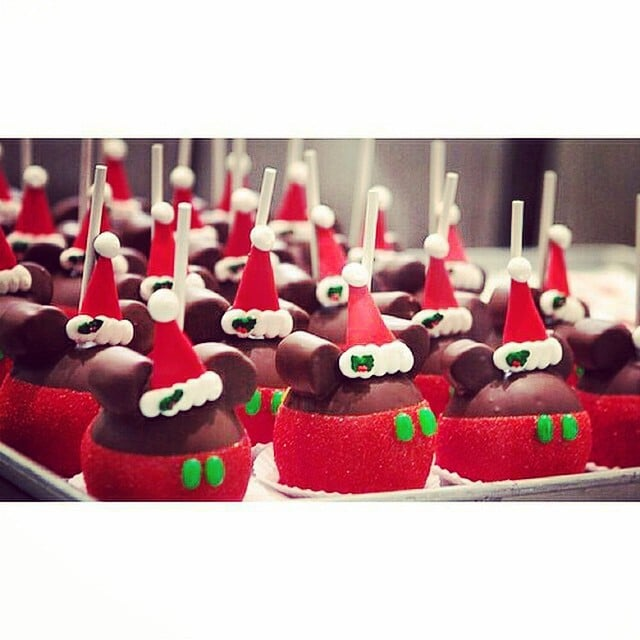 mickey santa candy apples - Christmas Candy Apples
