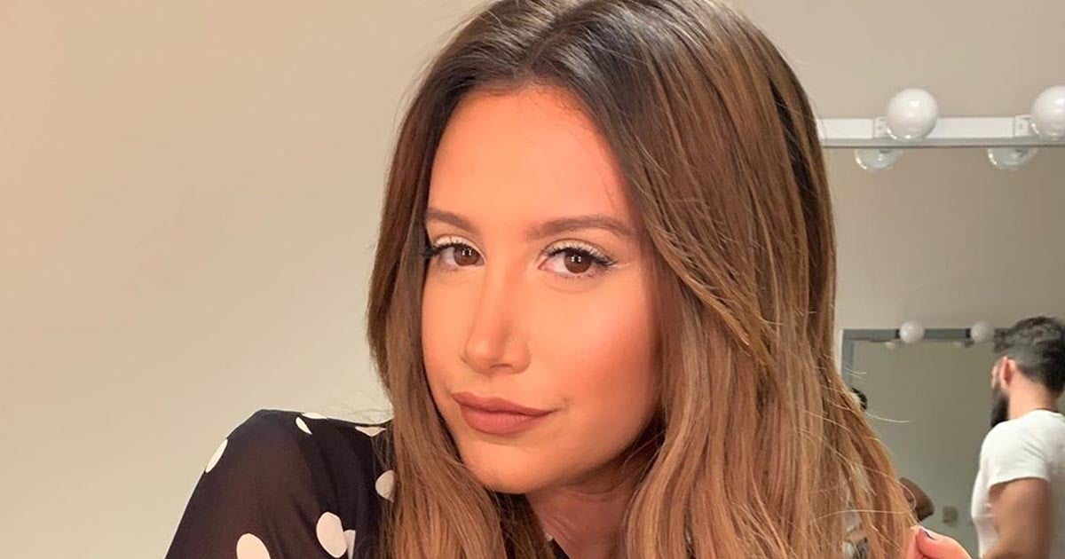 Sorry Elsa — Ashley Tisdale Wore Frosty White Eyeliner, So There's a New Ice Queen in Town - POPSUGAR Beauty Austrailia