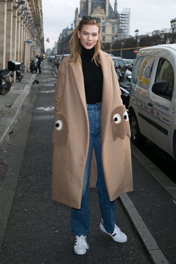 Model Street Style at Paris Fashion Week Fall 2016 ...