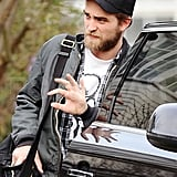 Robert Pattinson waved bye to his parents in London.