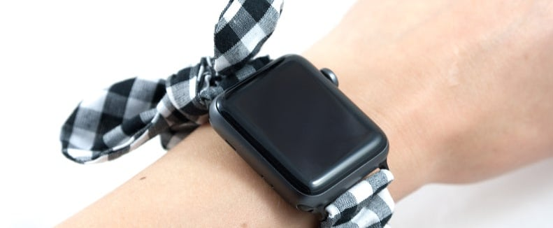 20 Cute Scrunchie Bands That Will Dress Up Your Apple Watch