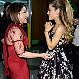Ariana Grande chatted up Gloria Estefan behind the curtain.