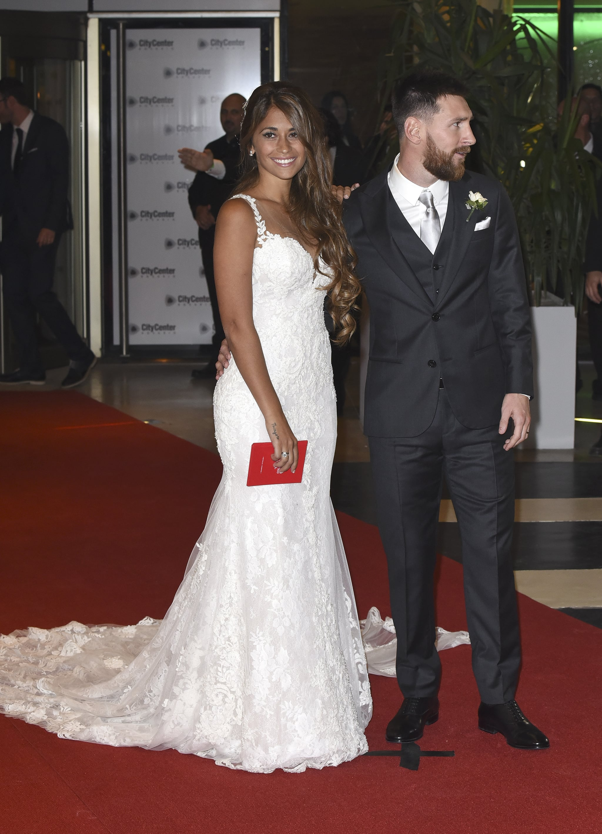 Lionel Messi And Antonella Roccuzzo Wedding Popsugar Latina
