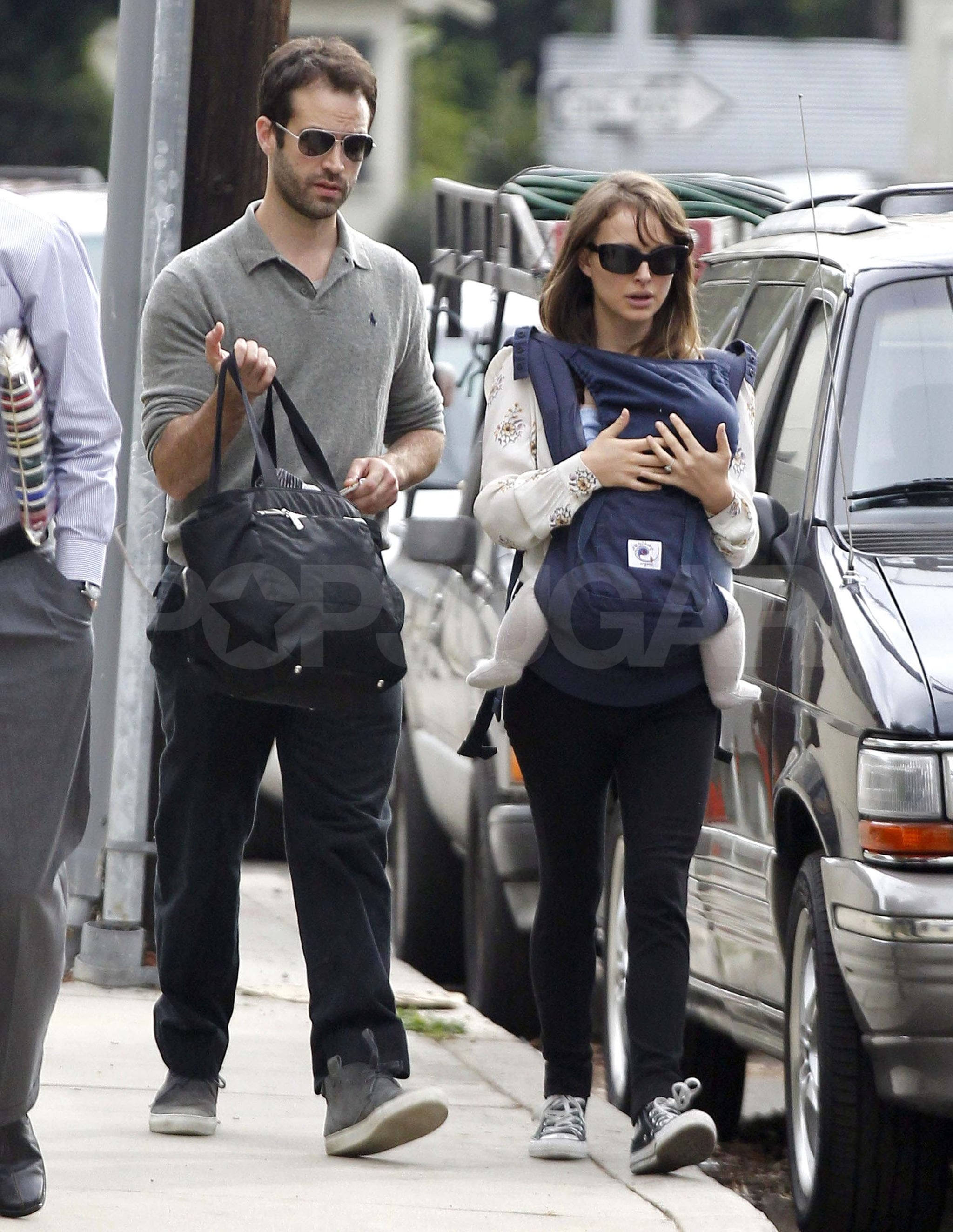 Natalie Portman And Benjamin Millepied With Aleph In La Natalie Portman And Benjamin Millepied Gear Up For The Globes With Aleph Popsugar Celebrity Photo 6