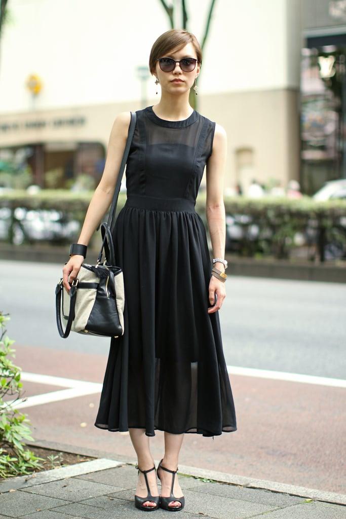 8a48b492383 A classic black midi dress