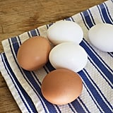 What's the shelf life of raw and hard-boiled eggs?