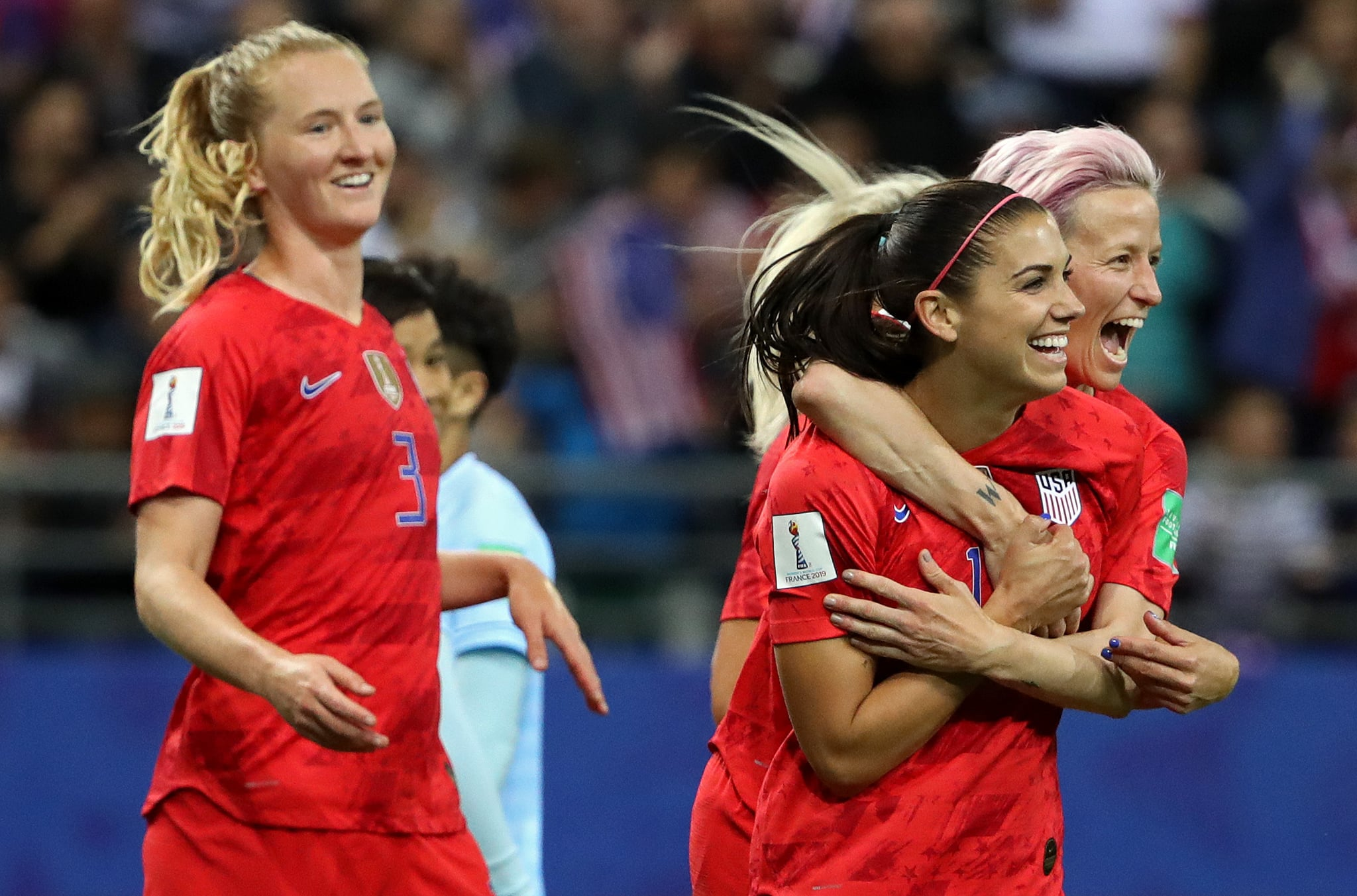 REIMS, FRANCE - JUNE 11: Alex Morgan of the USA celebrates with teammates after scoring her team's fifth goal during the 2019 FIFA Women's World Cup France group F match between USA and Thailand at Stade Auguste Delaune on June 11, 2019 in Reims, France. (Photo by Robert Cianflone/Getty Images)