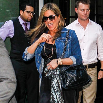 Jennifer Aniston Without Makeup Picture in NYC