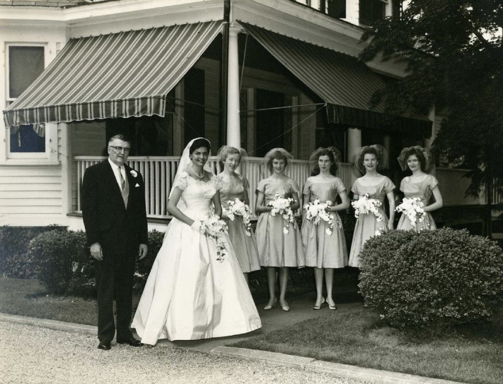 Bridesmaids wore bonnets at this mid 50s wedding vintage bridesmaids wore bonnets at this mid 50s wedding source flickr user striderv ombrellifo Images
