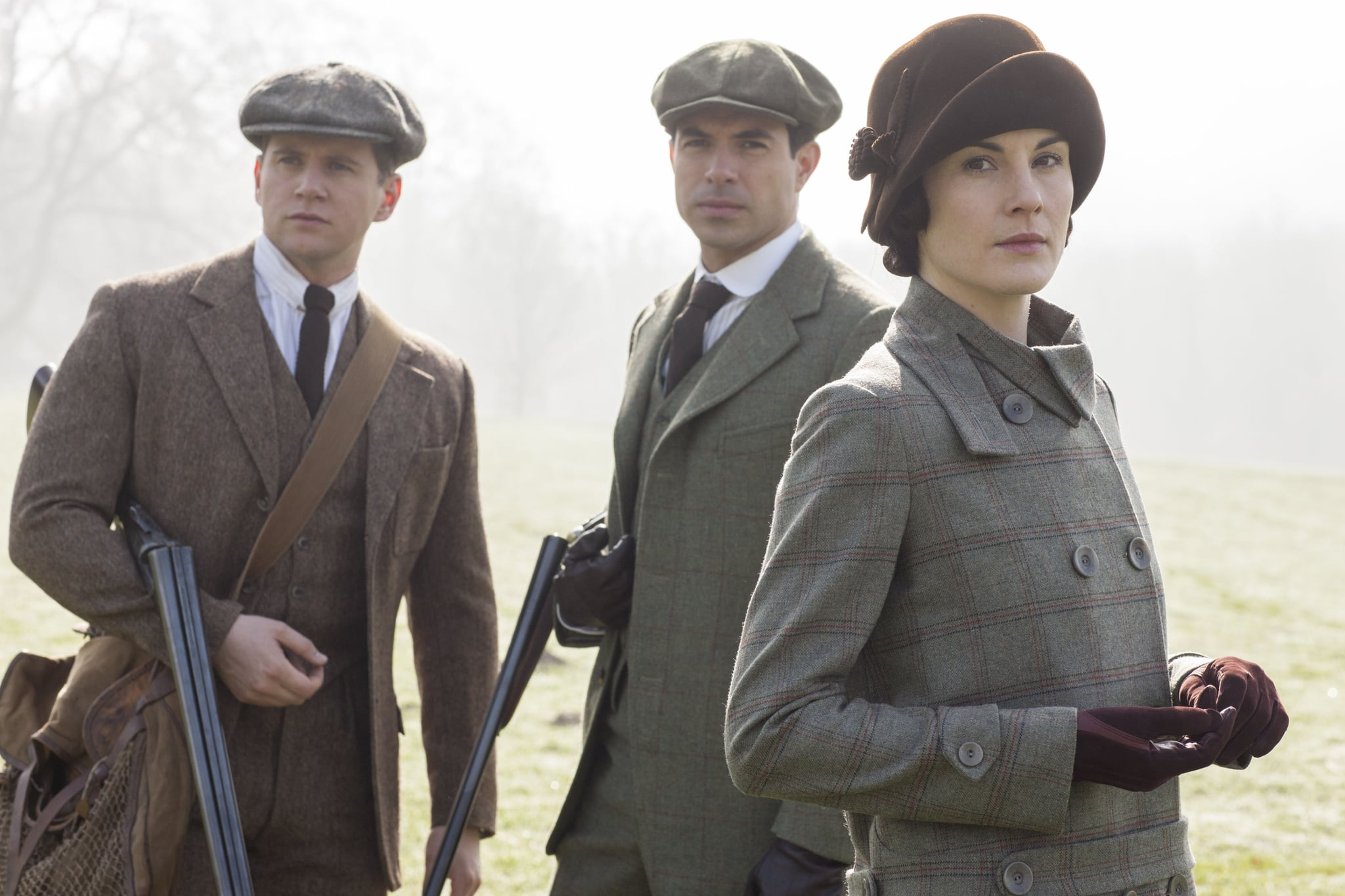 Tom Branson (Allen Leech), Lord Gillingham (Anthony Foyle), and Lady Mary (Michelle Dockery) go hunting.