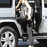 Gwen Stefani chatted with her little guy in the back seat.