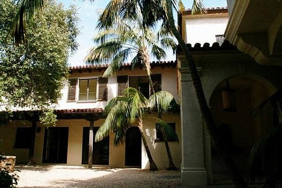 Meg Ryan Reduces the Price of Her Bel-Air Mansion