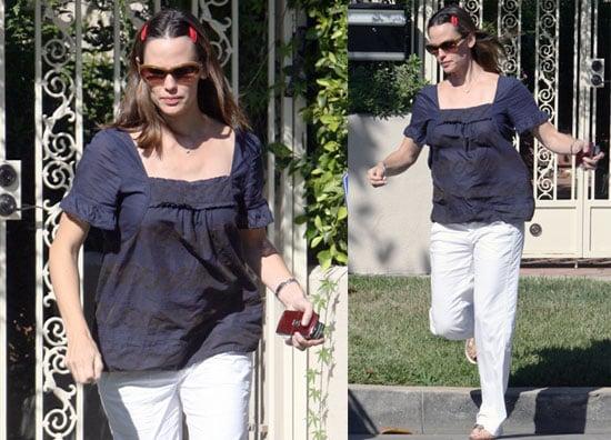 Photos of Pregnant Jennifer Garner Visiting A Friend in LA