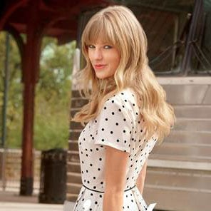 Picture Of Taylor Swift Looking Pretty In Keds Campaign