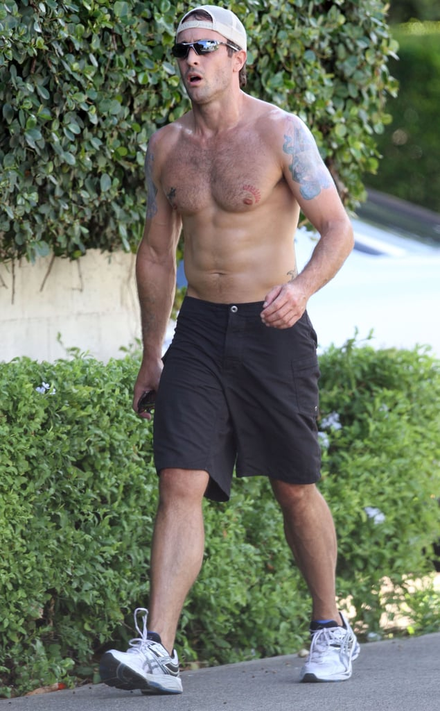 Alex O'Loughin Shares His Shirtless Six-Pack and Aloha Spirit in Hawaii