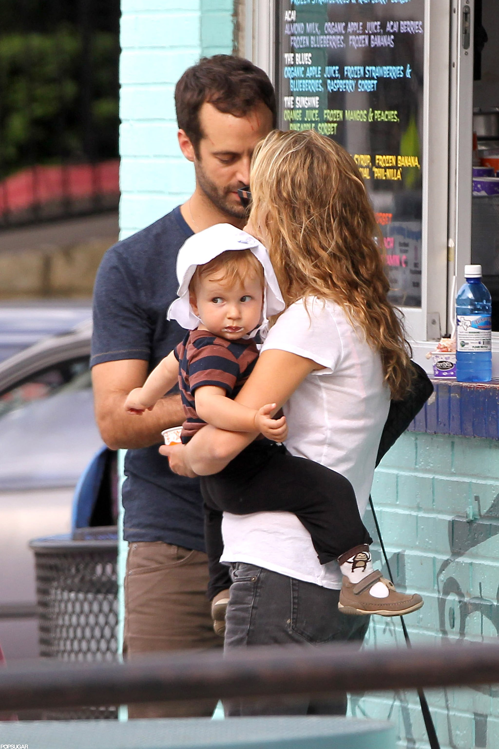 Natalie Portman And Benjamin Millepied Got Ice Cream With Their Son Natalie Portman And Baby Aleph Cool Off With A Sweet Texas Treat Popsugar Celebrity Photo 6
