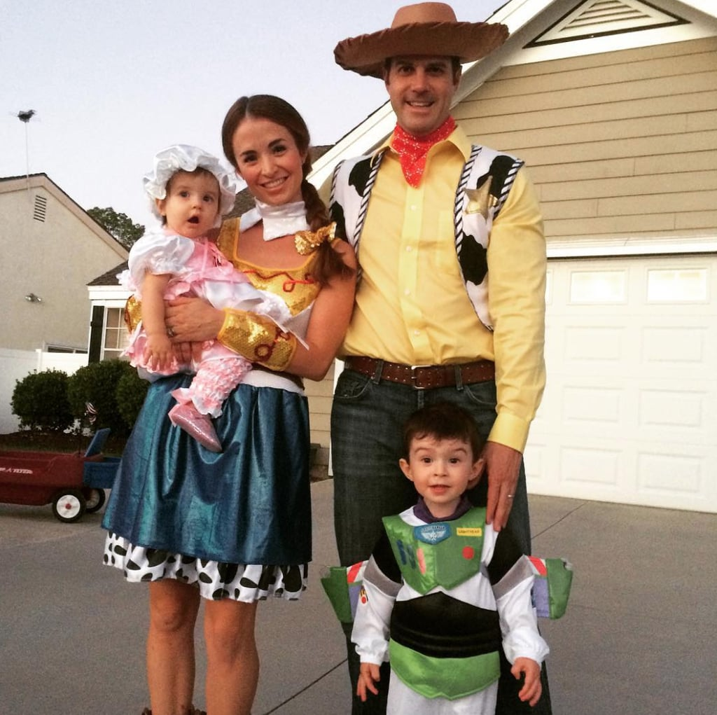 Family Of 4 Disney Halloween Costumes.Family Of 4 Halloween Costumes Popsugar Family