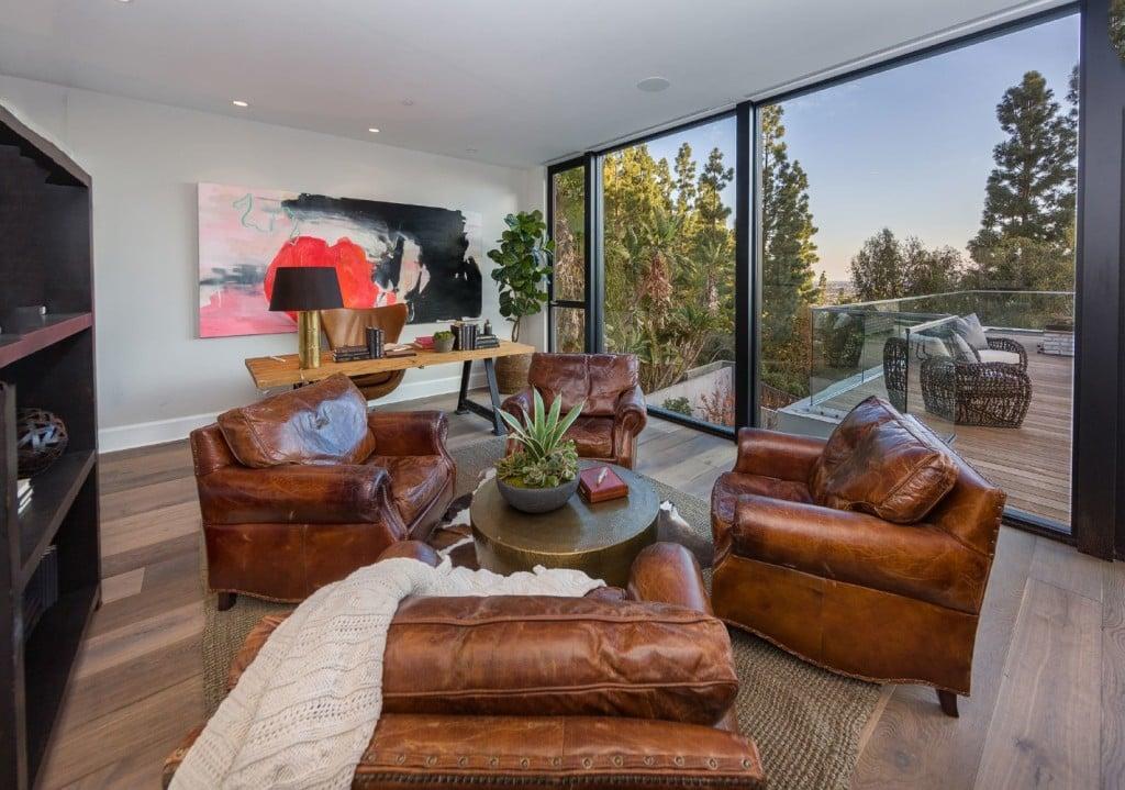 | Kendall Jenner Bought Emily Blunt and John Krasinski's ...