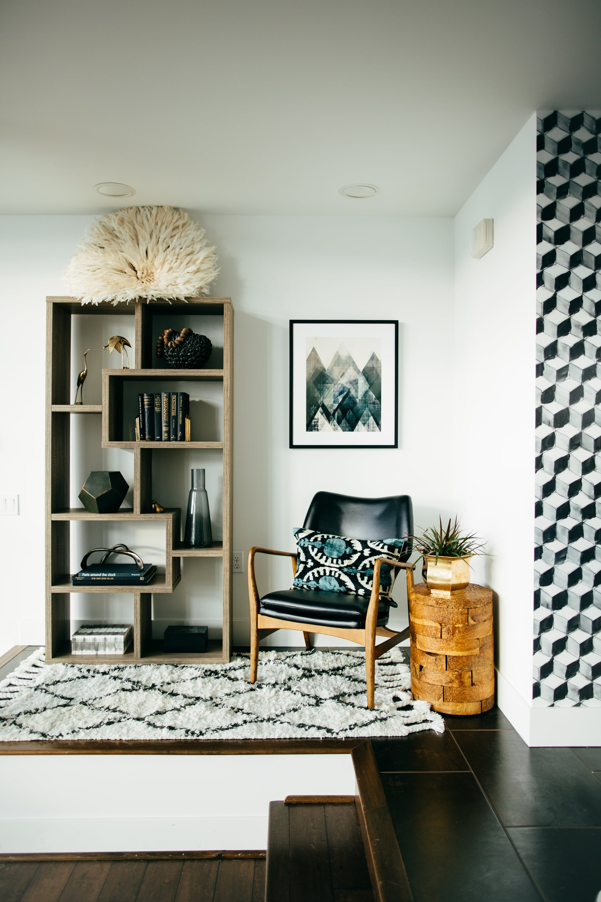 How to display art without ruining your walls popsugar home - The house without walls ...