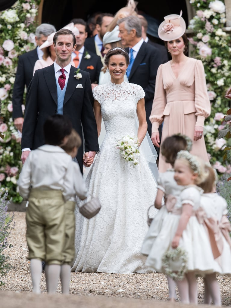 Kate middleton alexander mcqueen dress at pippa 39 s wedding for Wedding dress like pippa middleton