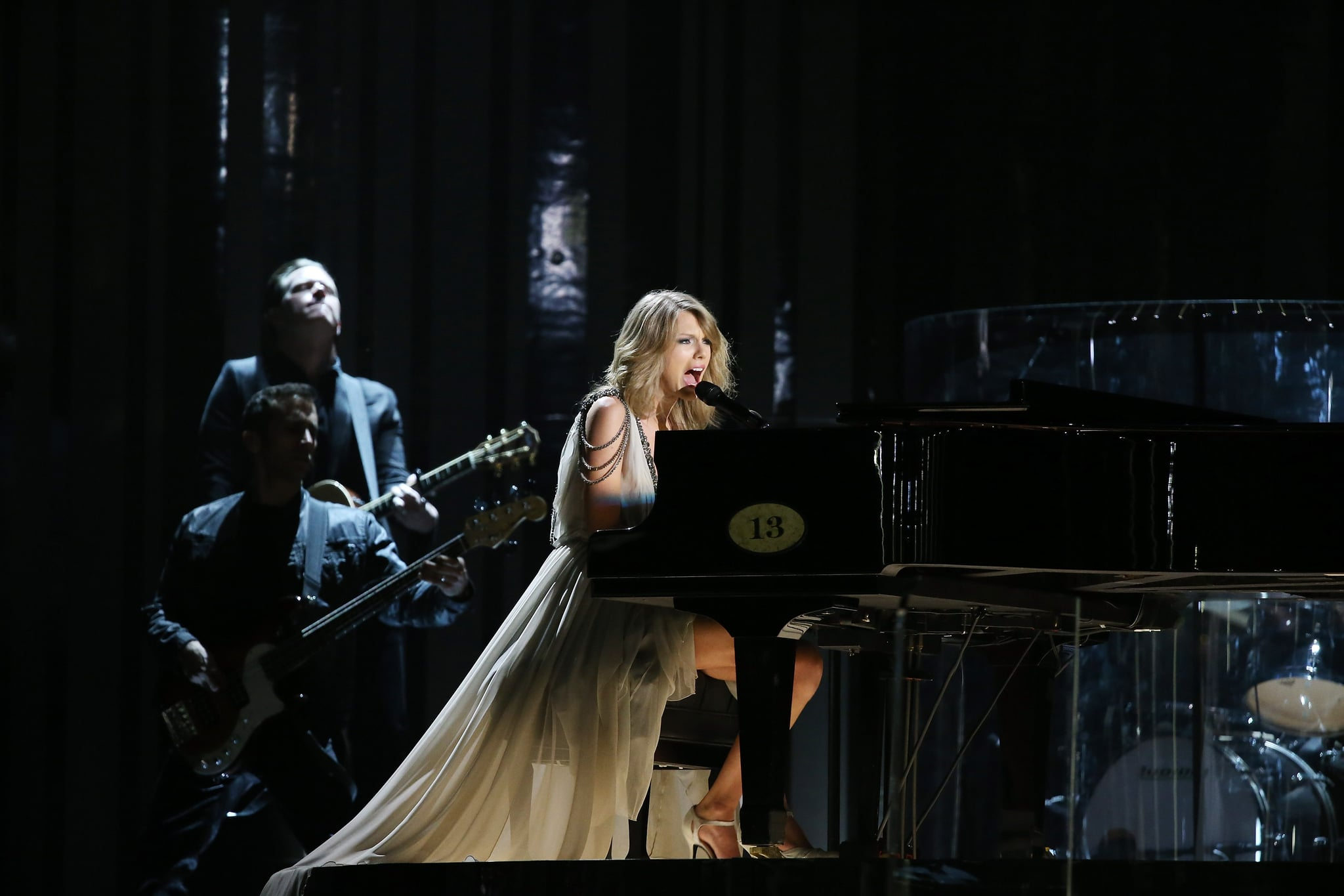 LOS ANGELES, CA - JANUARY 26:  Taylor Swift performs onstage during the 56th GRAMMY Awards held at Staples Center on January 26, 2014 in Los Angeles, California.  (Photo by Michael Tran/FilmMagic)