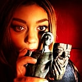 Sarah Hyland had a dramatic moment with her SAG award. Source: Instagram user therealsarahhyland