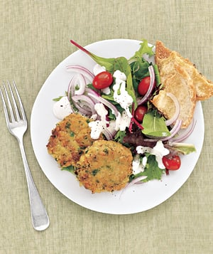 Fast & Easy Dinner: Mediterranean Salad With Chickpea Patties