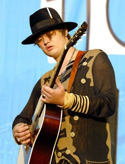 Roundup Of The Latest Entertainment News Stories — Pete Doherty Due in Court For Drink, Drugs and Driving Offences in Gloucester