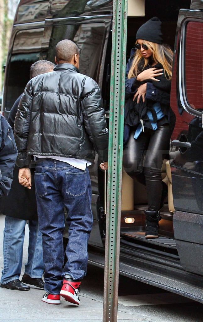 Jay-Z helped Beyoncé and Blue Ivy Carter out of the car.
