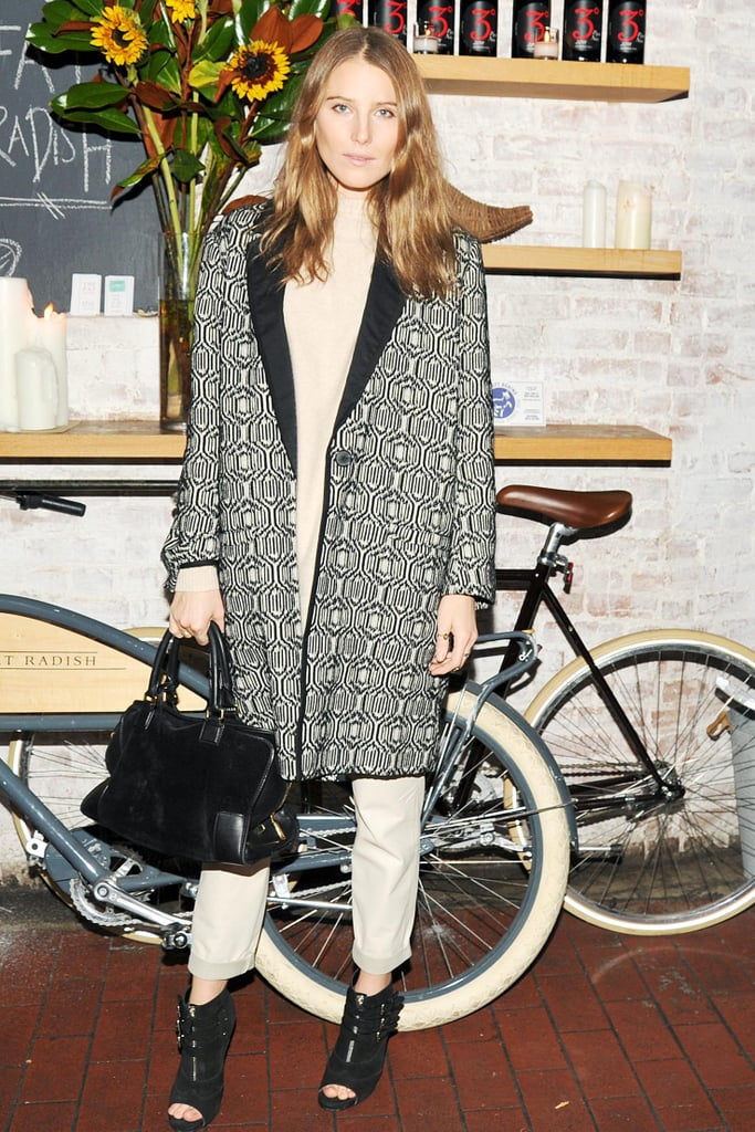 Dree Hemingway looked cozy and cool in her printed topper at the TOMS + Tabitha Simmons dinner.