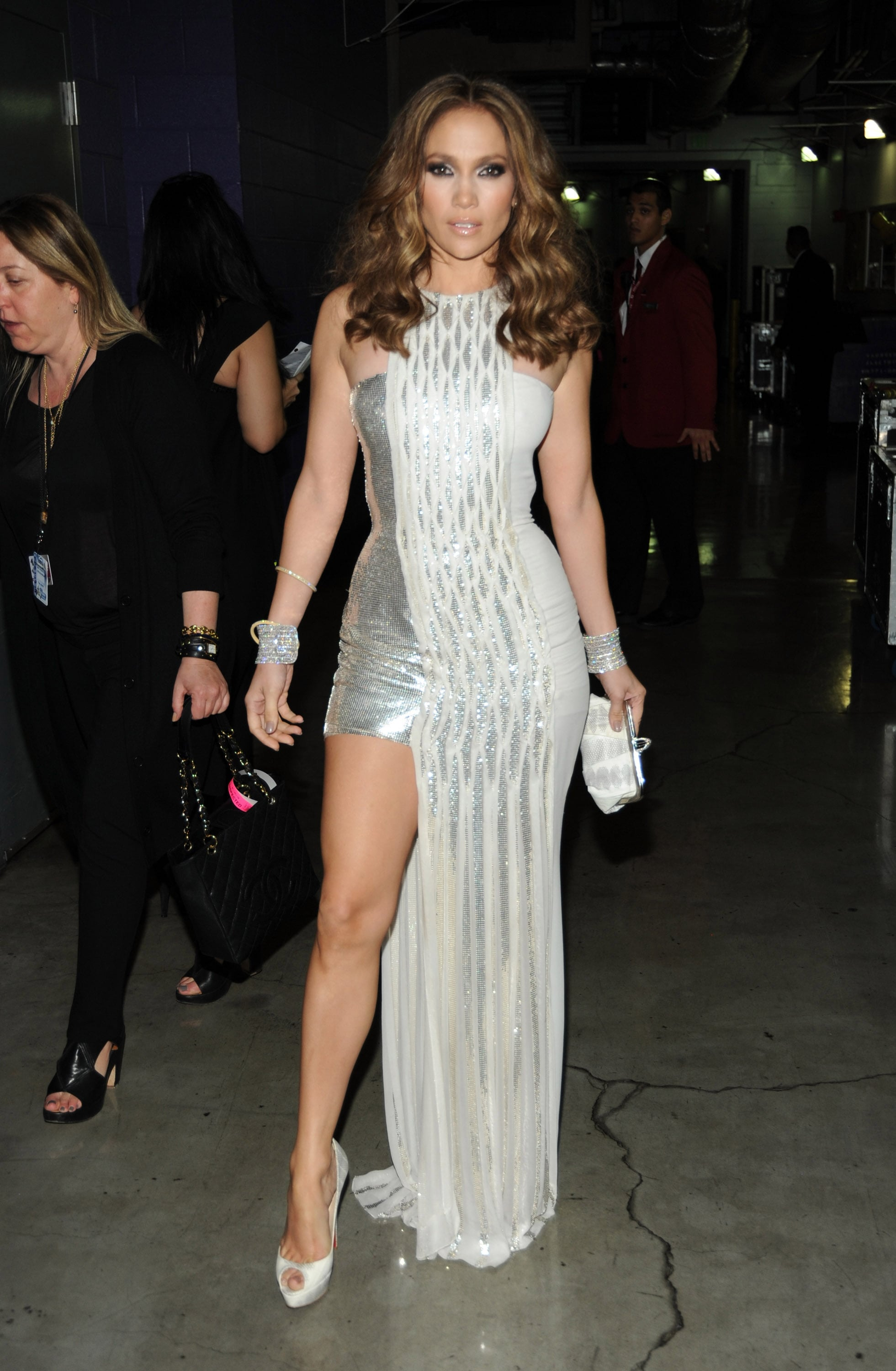 Showing off her toned gams in a metallic Versace at the 2010 Grammy Awards.